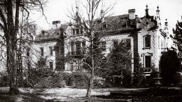 Neues Schloss, aufgenommen vor 1900 (Fotograf unbekannt).