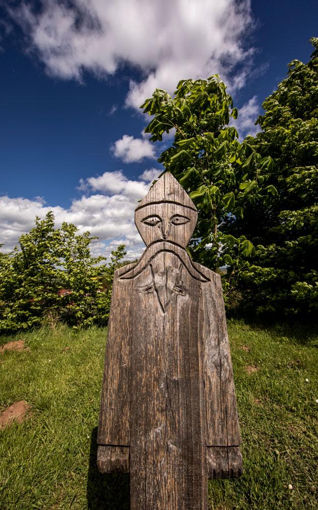 Holzskulptur in der Königspfalz Tilleda
