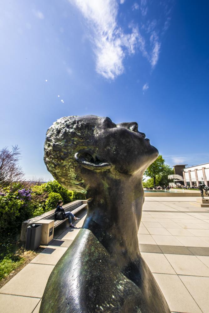 Skulptur vor dem Panorama Museum Bad Frankenhausen
