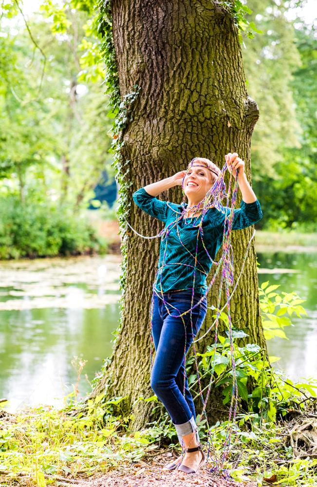 Miriam Deforth im englischen Garten in Bendeleben
